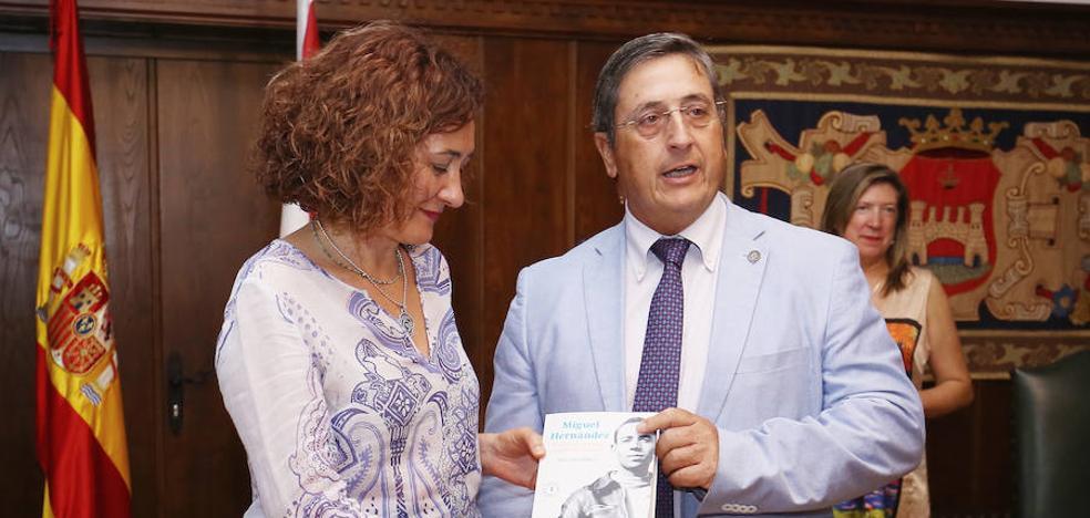 Ponferrada busca unir dos Patrimonios de la Humanidad, el Camino de Santiago y el Misterio de Elche