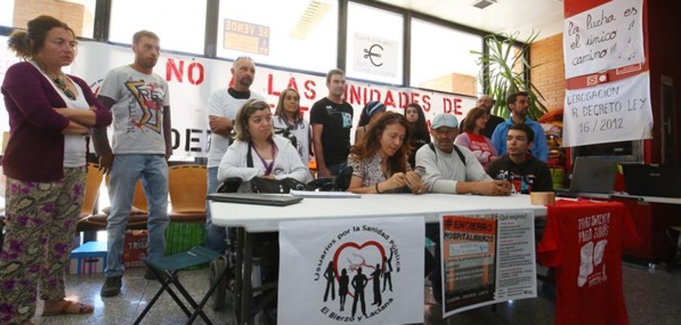 Los encerrados en el hospital exigen al consejero explicaciones públicas después de 21 días de protesta
