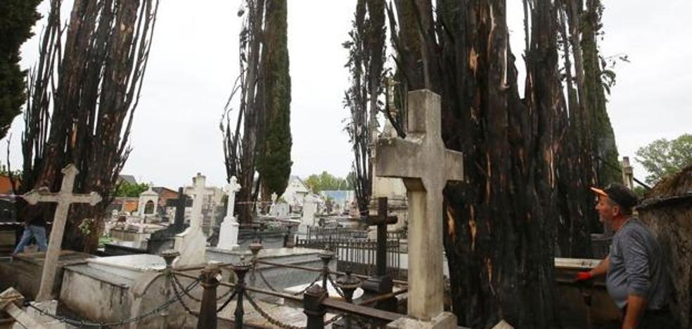 La Junta invierte 15.000 euros para la adecuación y reparación del cementerio de Cacabelos
