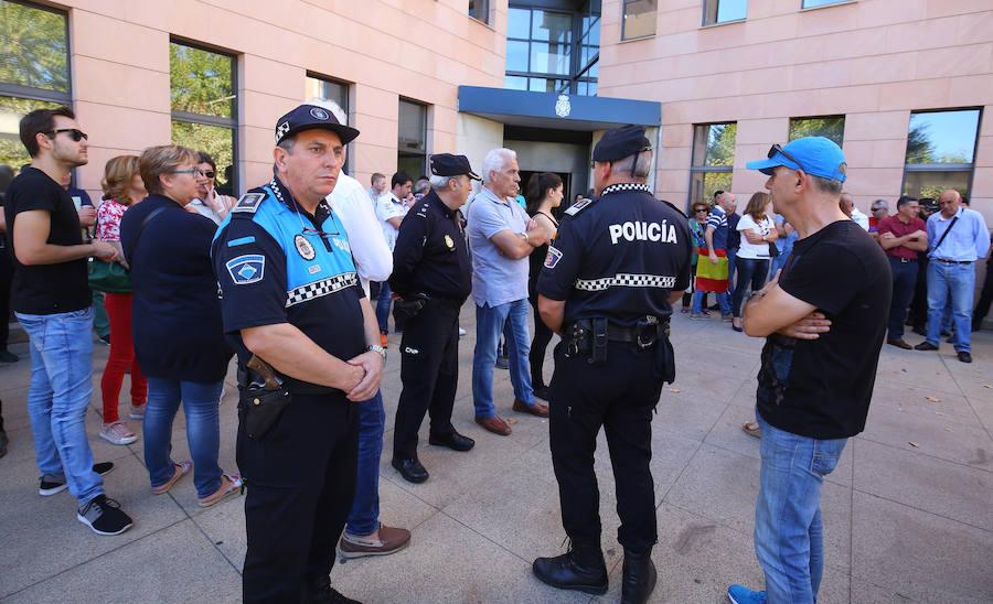 Concentración en apoyo a la Policía Nacional