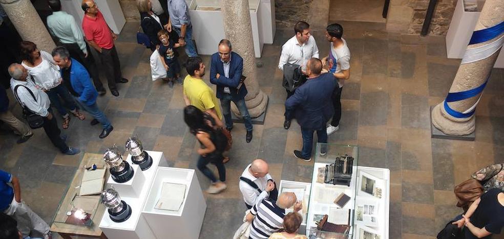 El Museo del Bierzo repasará los 25 años de pintura y creación de Ana María Martínez