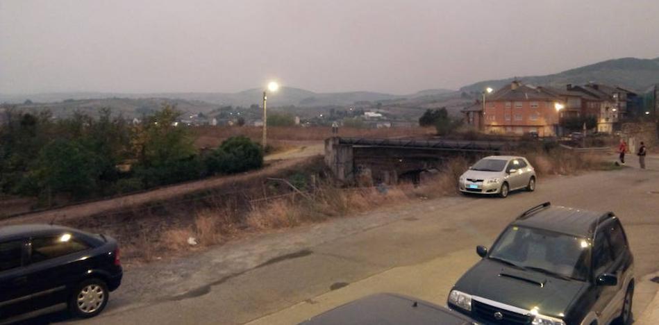 El Ayuntamiento de Ponferrada recomienda no salir a la calle por la alta concentración de humo y cenizas