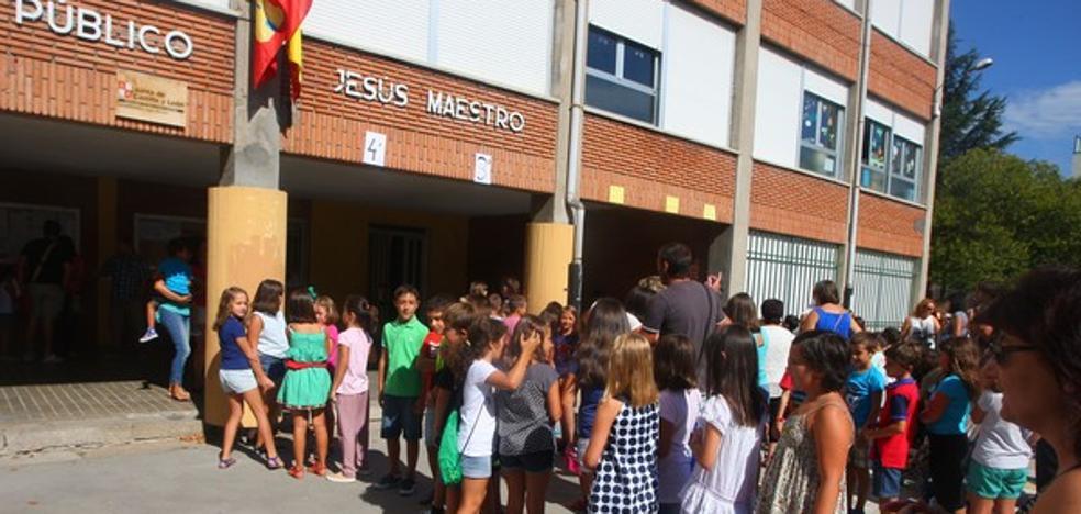 Educación destina 155.000 euros a construir un porche en el patio del colegio Jesús Maestro de Cuatrovientos