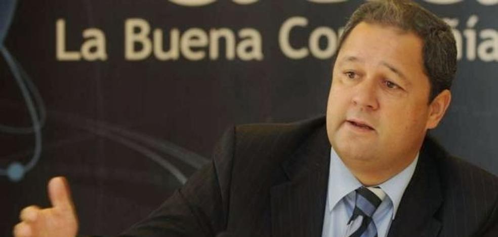 El Centro Galicia celebra sus 25 años con la entrega del Ponfegalego de Ouro al presidente del Deportivo