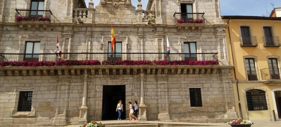 La alcaldesa de Ponferrada convoca para el día 27 el Pleno sobre la investigación de las cuentas del Mundial