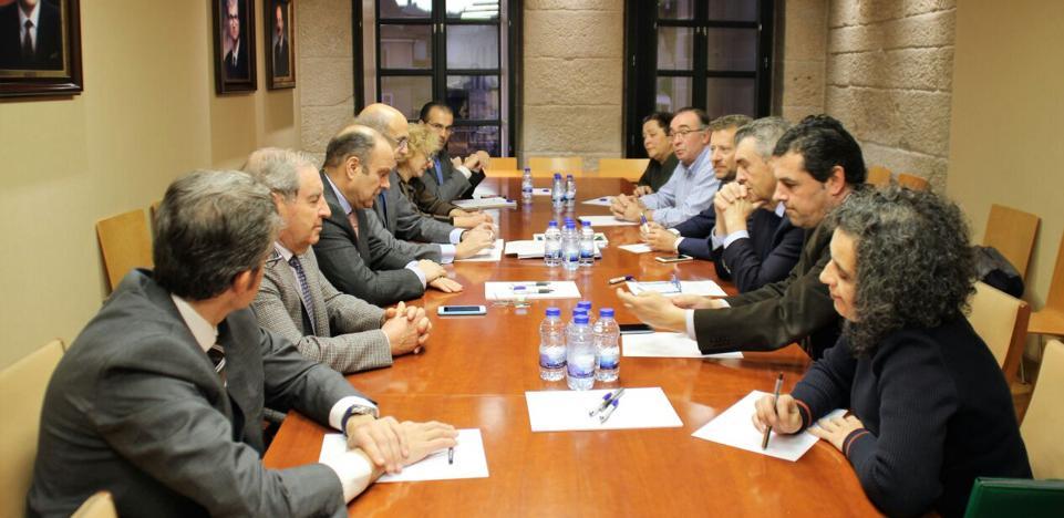 Empresarios de León y Orense reclaman que se agilice el proyecto para las obras de la A-76