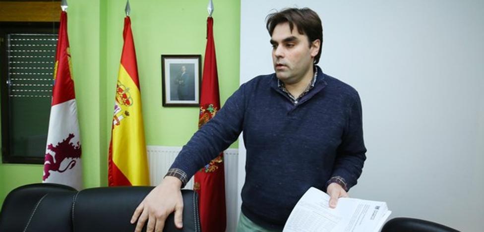 El PP exige al PSOE la expulsión del alcalde Cacabelos tras la apertura de juicio oral contra él
