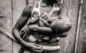 La Casa de las Culturas de Bembibre acoge la muestra fotográfica sobre la discapacidad en África 'In-Visibles'