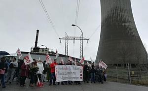 Los trabajadores de la central de Anllares piden a Gas Natural que mantenga los empleos hasta el cierre final