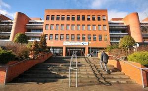 La Junta autoriza una inversión de 752.000 euros para derivar operaciones del Hospital del Bierzo