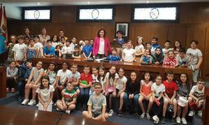 Los alumnos del CEIP Peñalba visitan el Ayuntamiento de Ponferrada
