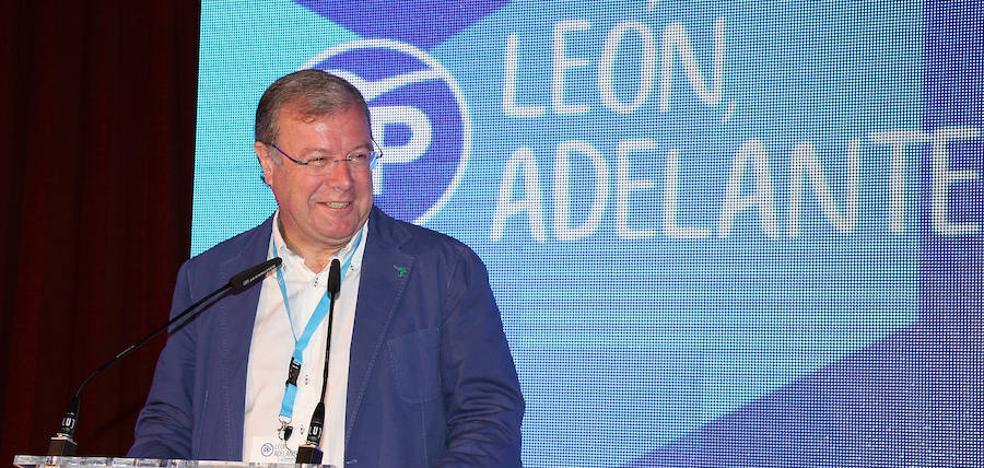 Silván hace un llamamiento a la renovación y la unidad del PP de León