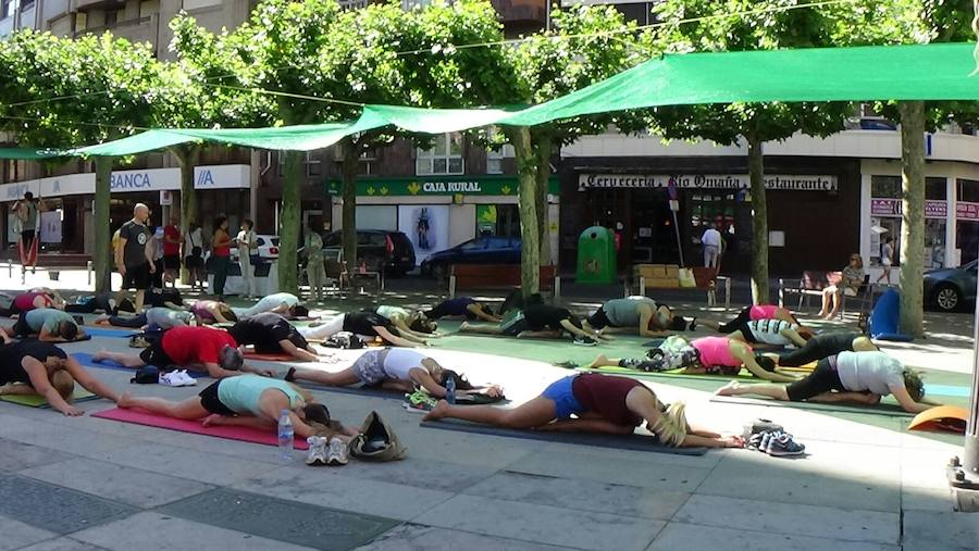 León conmemora el Día Internacional del Yoga