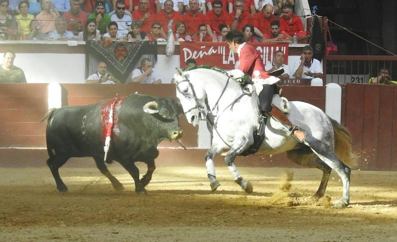 Las mejores imágenes de la corrida de rejones (I)