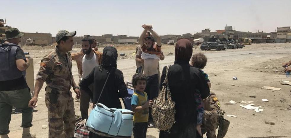 Los bombardeos y el hambre condenan a los atrapados en la Ciudad Vieja de Mosul