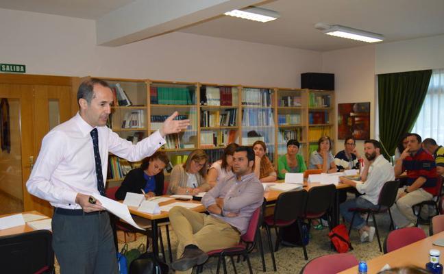 En julio en Peñacorada, los profesores vuelven a las aulas