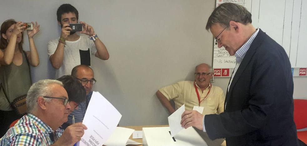 Los barones 'susanistas' resisten el empuje de los 'sanchistas'