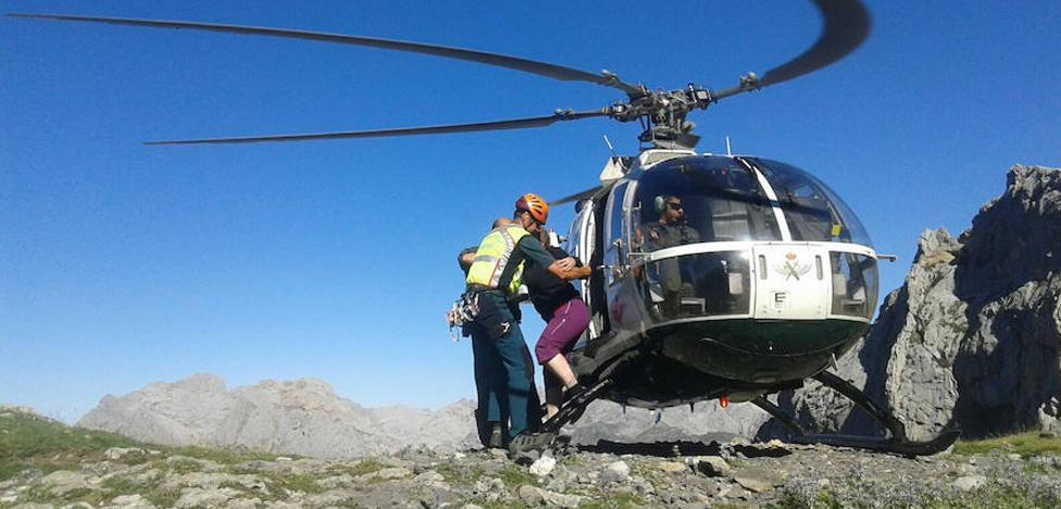 El Greim rescata a una montañera que sufrió un esguince en el tobillo en el Collado Jermoso