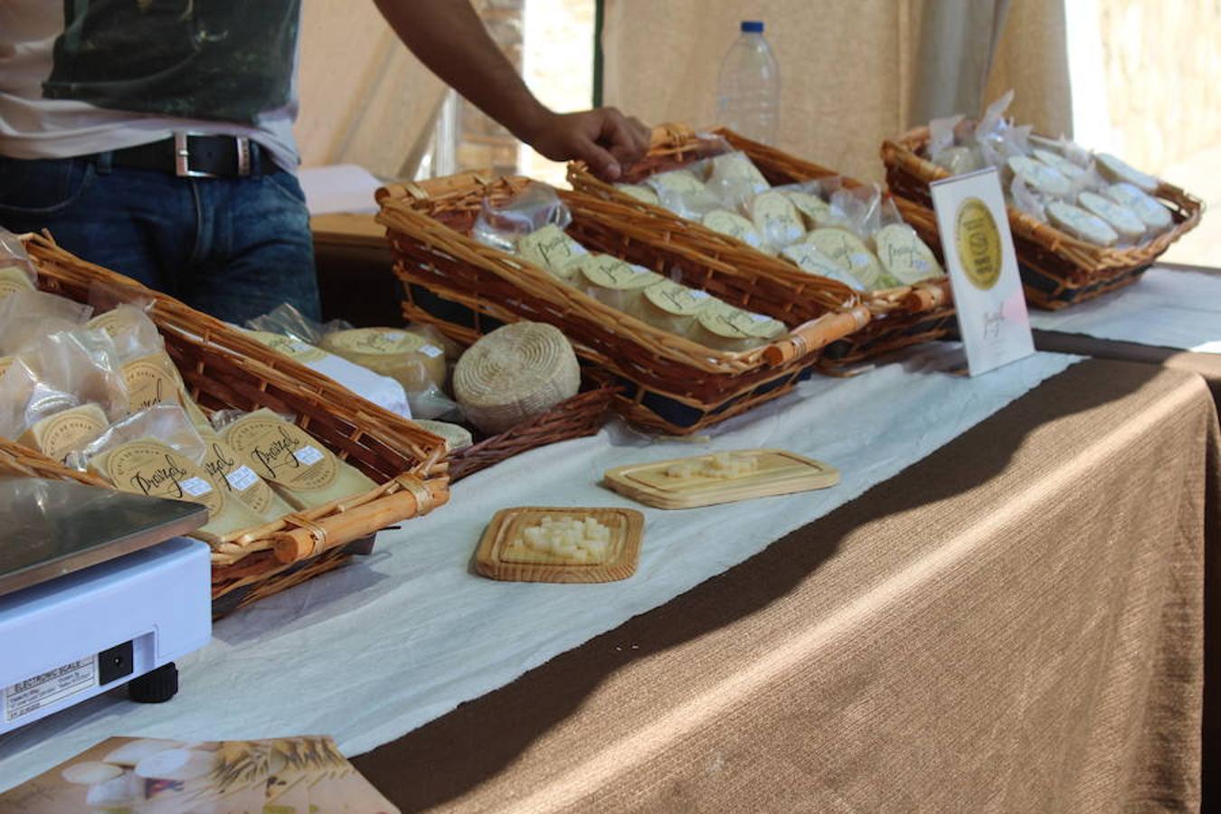 Las mejores imágenes de la Feria del Ajo de Veguellina