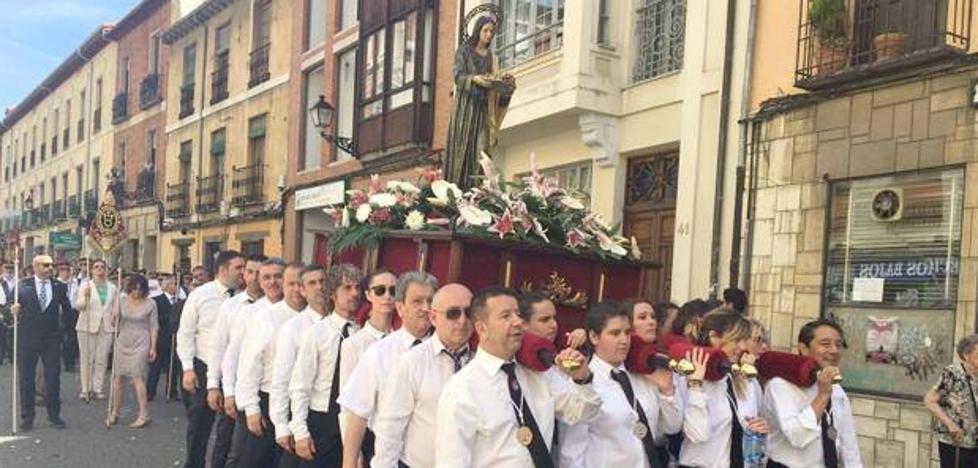 La Hermandad de Santa Marta celebra la fiesta de su Patrona