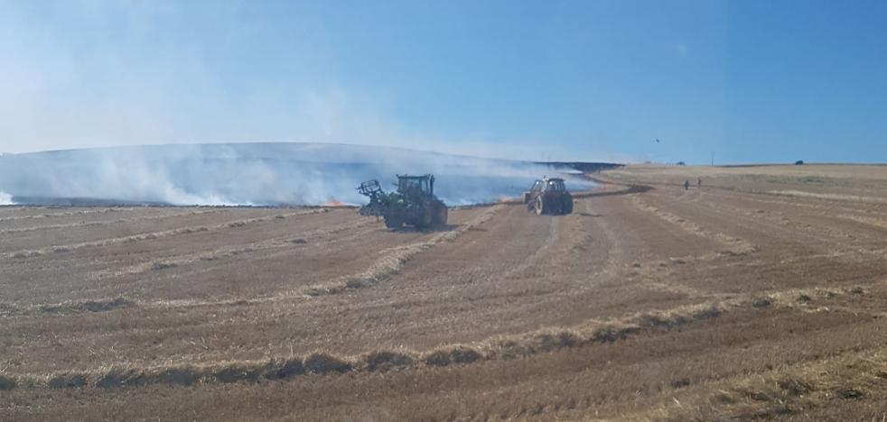 Un incendio en Santas Martas calcina cien hectáreas de cereal
