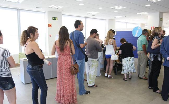 El paro en Euskadi baja en 6.100 personas en el segundo trimestre del año