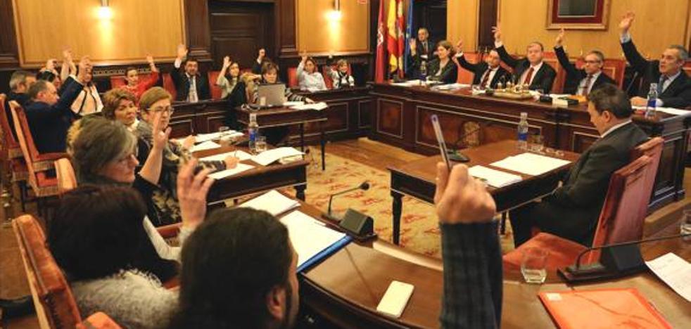 La oposición pasa revista a los dos años de Silván y cree que la ciudad no tiene «proyecto de futuro»