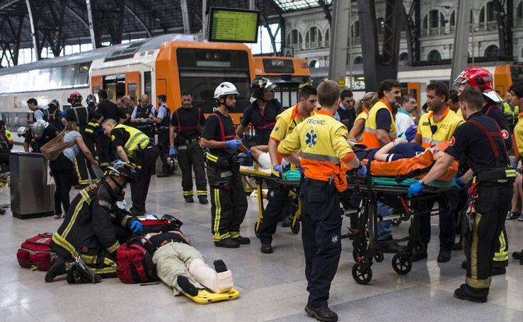 El accidente de un tren en Barcelona, en imágenes
