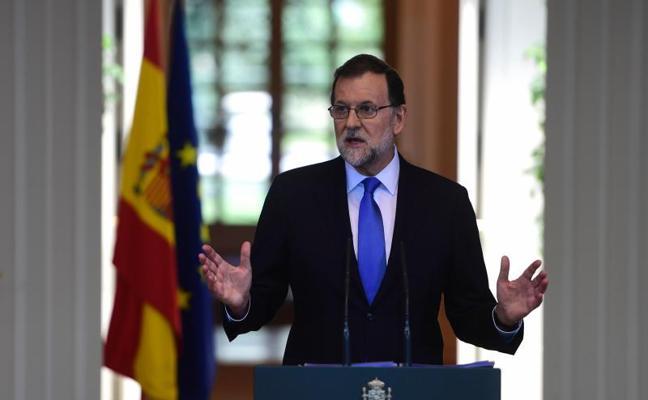Rajoy califica de «excelente» el dato del paro, el nivel más bajo en ocho años