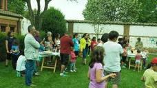 El Campamento Urbano de Veguellina de Órbigo saca a los niños a la calle para seguir aprendiendo en verano