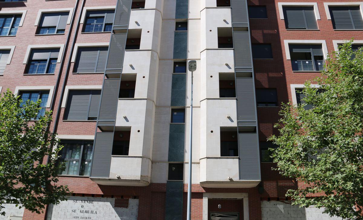 Un edificio 'okupado' en La Lastra
