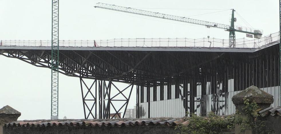 La adecuación del exterior del Palacio de Congresos, de 4 millones, concluirá a principios de 2018