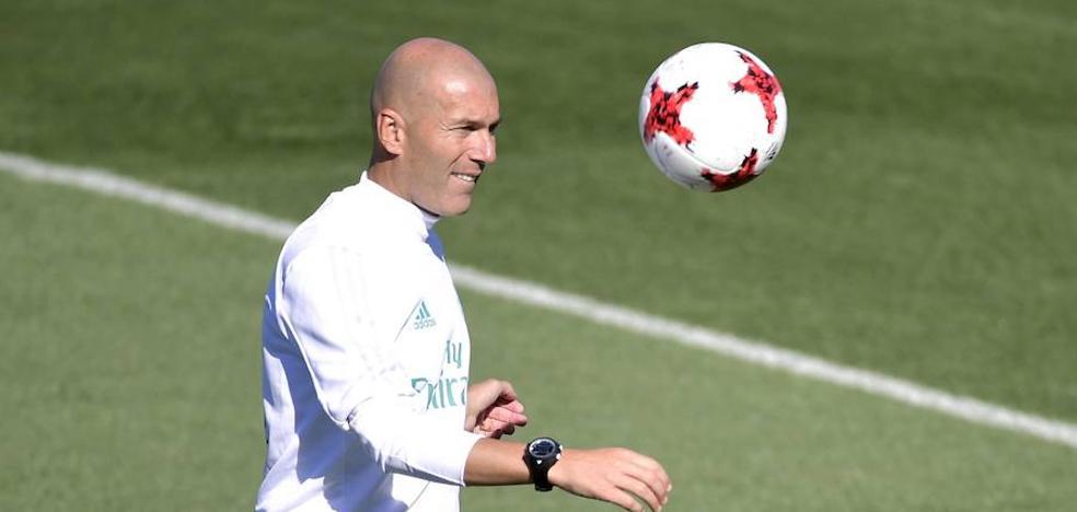 Zidane renueva por tres años: «No significa nada»