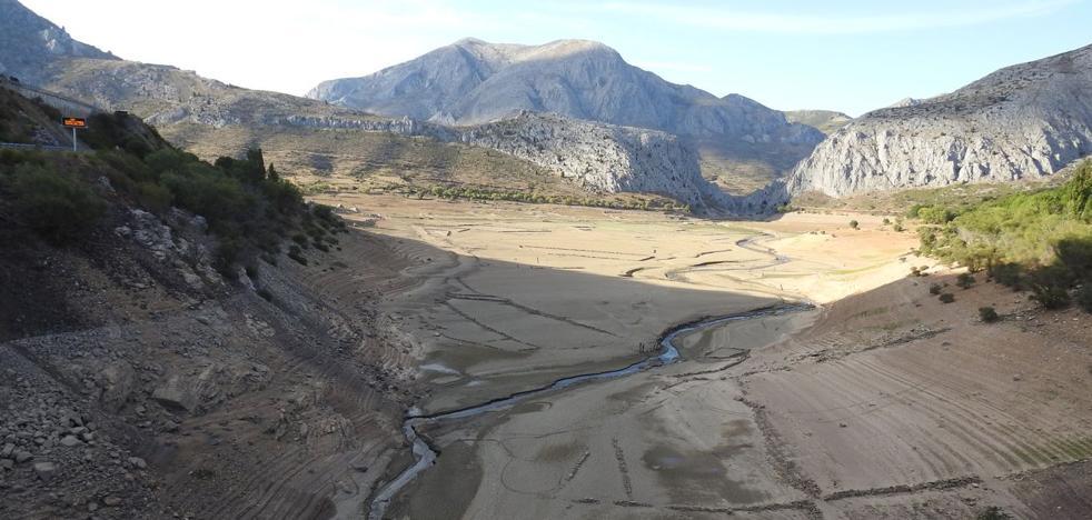 La sequía convierte en un desierto los pantanos y deja al campo «ante la mayor ruina en cien años»