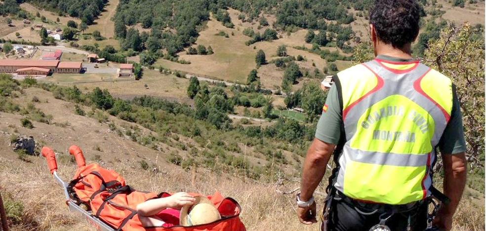 Rescatada a una senderista que se fracturó en ambos tobillos realizando una ruta en Sahelices de Sabero