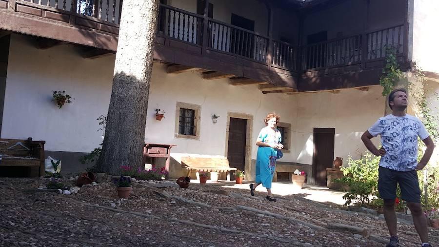 Artesanía y arquitectura se unen en Santa Colomba de Somoza