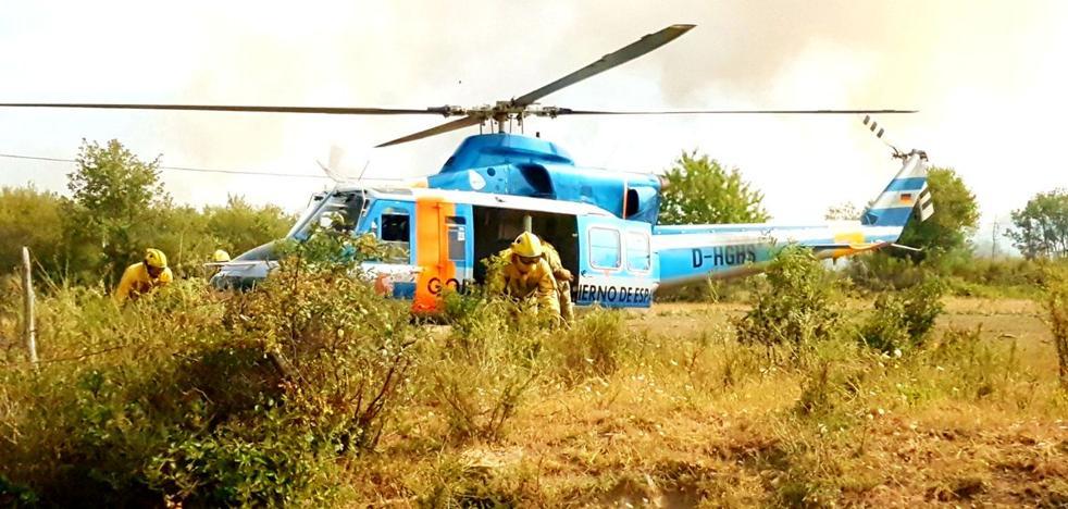 Tres incendios intencionados permanecen activos en Páramo del Sil