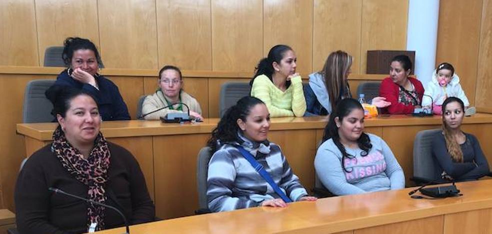 San Andrés respaldó a 39 mujeres dentro del Programa de Apoyo Personal y Familiar en el primer semestre del año