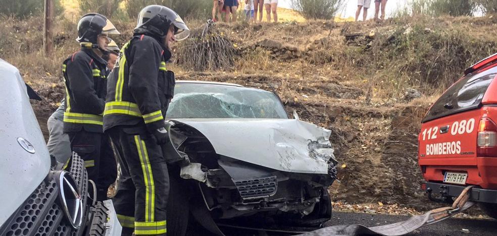 Dos heridos en una colisión entre una furgoneta y un turismo en Molinaferrera