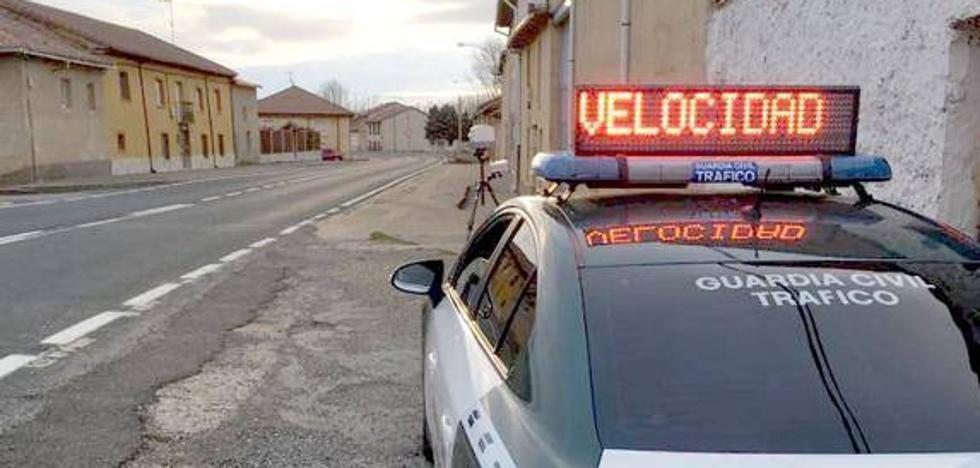 La Guardia Civil detecta a un conductor que circulaba a 211 kilómetros por hora en la A-62