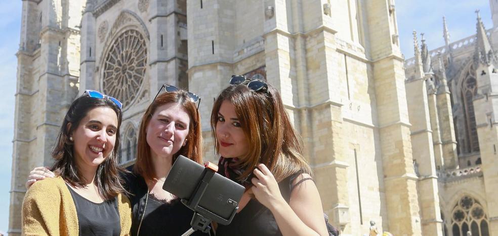 Antonio Silván: «Si otros sitios no quieren a los turistas. León sí»