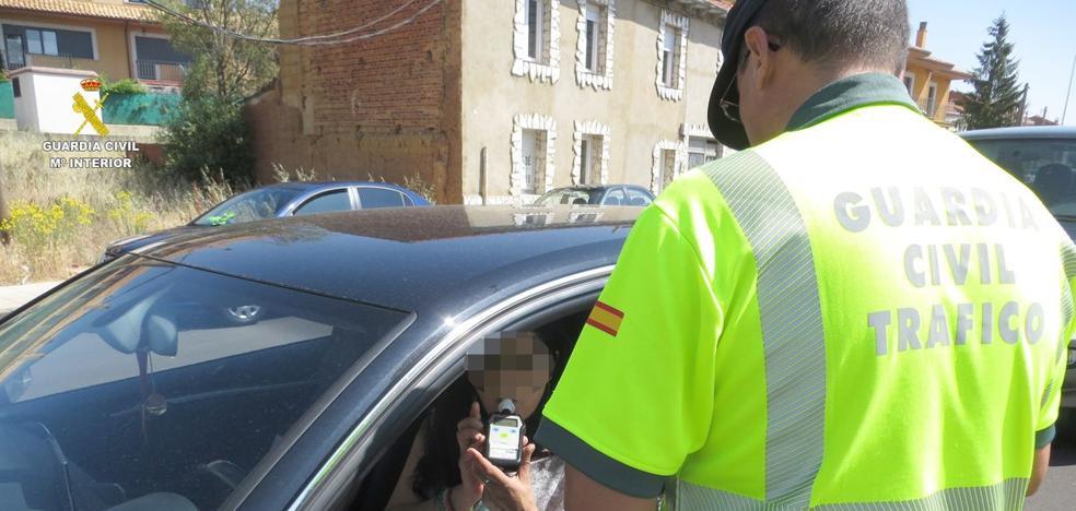 La Guardia Civil detecta en León 58 positivos de alcohol y 11 de drogas en el puente del 15 de agosto