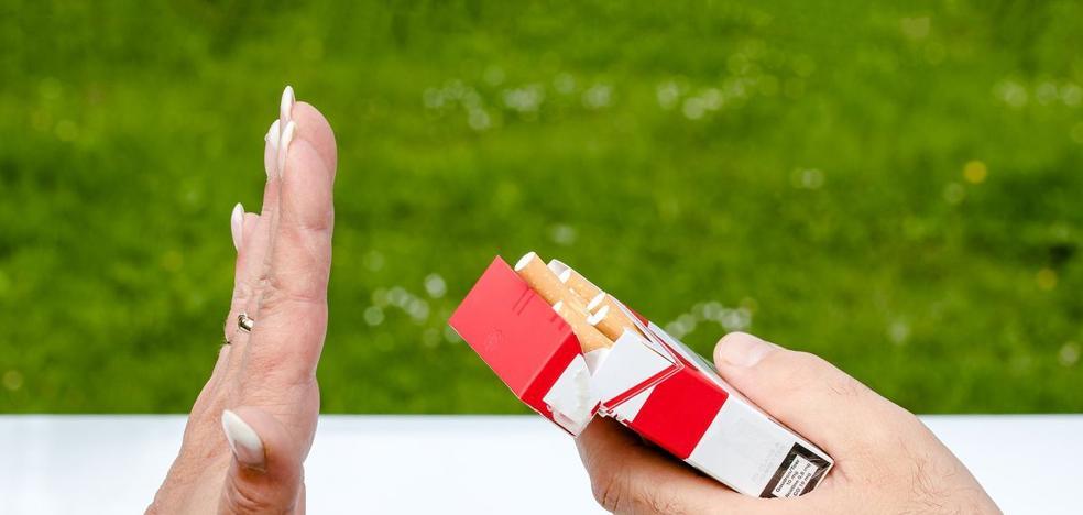 Un 65% de los fumadores que acuden al programa de deshabituación de la Junta dejan el tabaco