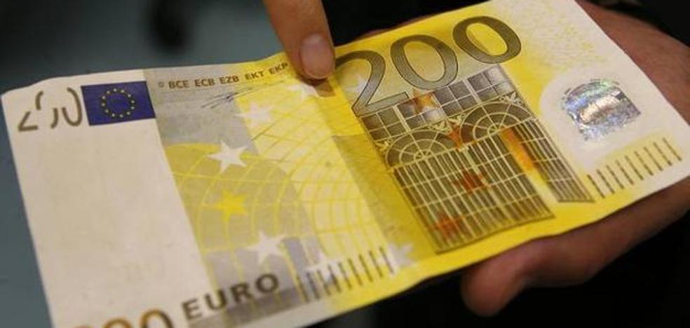 Detienen en Oviedo a un hombre de León que trató de pagar con dinero falso en una perfumería