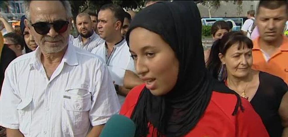 Cientos de musulmanes claman contra el terrorismo en pleno Barcelona