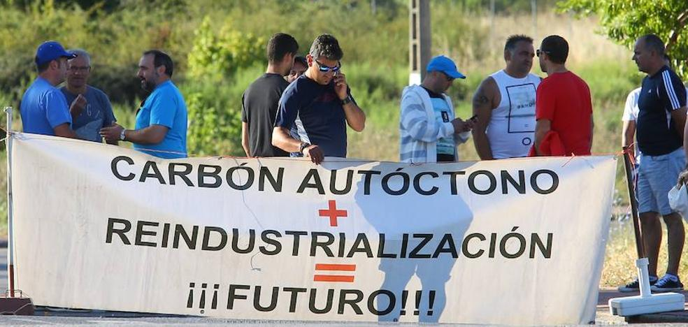 Los empleados de Astur Leonesa inician concentraciones en Compostilla y reclaman el apoyo de los partidos políticos