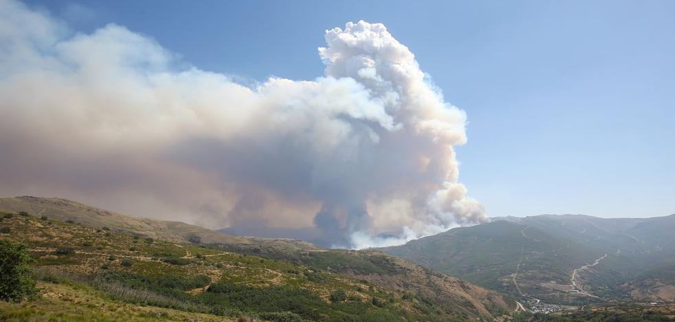 Cinco incendios permanecen activos en la provincia de León