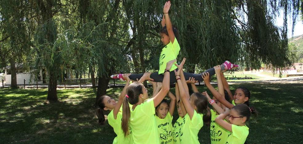 El Campus del Club Ritmo vuelve a marcar el paso en la gimnasia rítmica