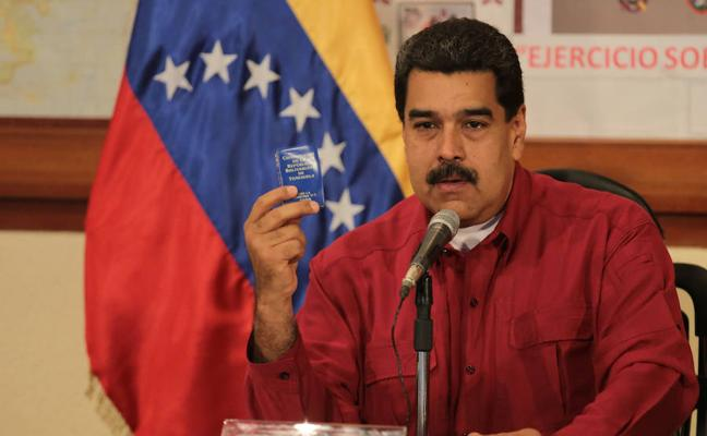 Maduro ataca a Pence por reunirse con «terroristas» venezolanos
