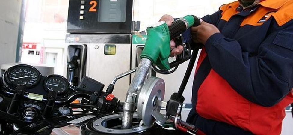 Estudian acudir a la Fiscalía ante el incumplimiento de la norma que exige que las gasolineras estén atendidas